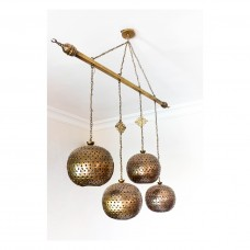 Chandelier 4 lighting balls