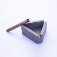 Concrete ashtray 1